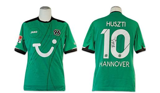 trikot von hannover 96 mit der unterschrift von szabolcs. Black Bedroom Furniture Sets. Home Design Ideas